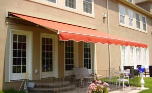 Retractable Awnings in Lansing